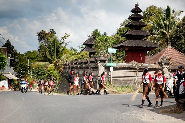 Bali vesnice školačky