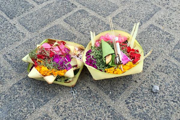 Bali obětní mísky