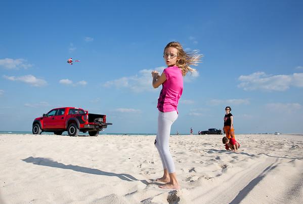 Timea Jarosova kiting beach Qatar